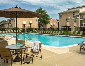 Villas at Rockville outdoor swimming pool